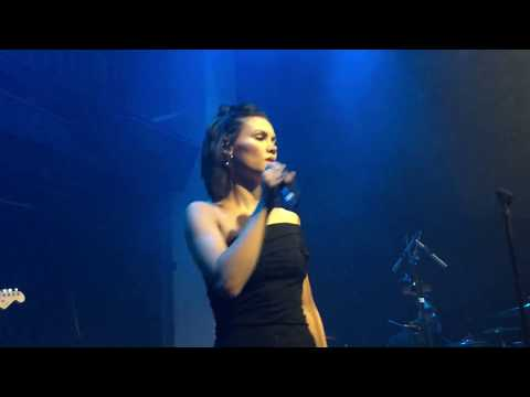 Sinead Harnett ft Wretch 32 - Heal You LIVE - London 18/7/17