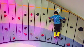 Canada Science and Technology Museum // Canada with Kids // Ottawa with Kids