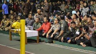 Video Jokowi Nonton Bareng Film Penghianatan G30S PKI di Makorem Bogor download MP3, 3GP, MP4, WEBM, AVI, FLV April 2018
