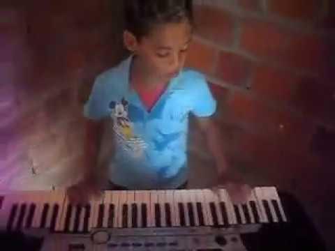 juninho-tocando-a-musica-(meu-bebê)-pablo-do-arrocha-ajudem-ele-ir-para-algum-programa-de-tv-gente