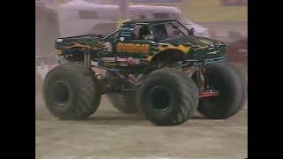 Freestyle Avenger Monster Jam World Finals 2000