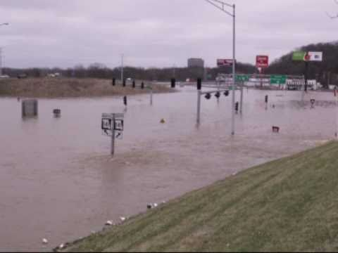 Spring Flooding: Intersection 141 & i44 Under Water ...