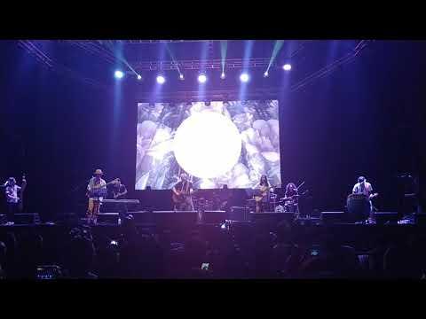 Kembang Pete - Iwan Fals Feat. Endah N Rhesa Band Di Konser Aku Cinta