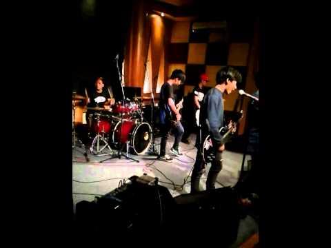 TROOPS BLITZED - Drunk Live Perform At Chic's Musik Rawamangun - Jakarta