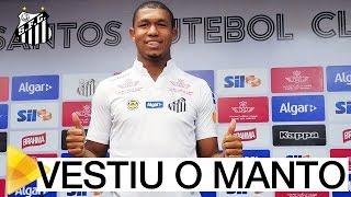 Rodrigão é apresentado, na Vila Belmiro
