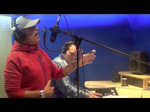 Clive Farrington and Jon Brooks Perform 'Independence' Live - Recording Studio Sessions