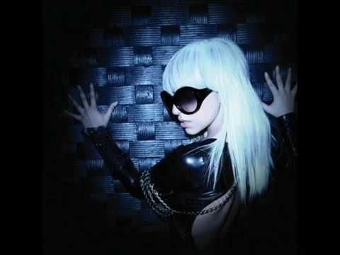 Rihanna feat. Lady GaGa [Silly Boy] 2009