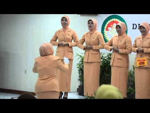 PADUAN SUARA DHARMA WANITA sekretariat DINAS PERTANIAN PROV JATIM