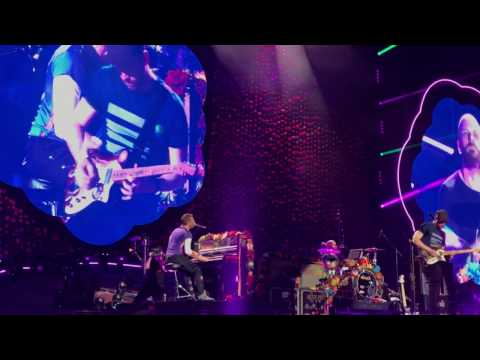 April 1, 2017 | Paradise - Coldplay live in Singapore