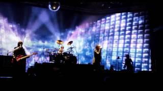 人気バンドL'Arc-en-Cielが2012年に行った、世界14都市、総動員数45万人...