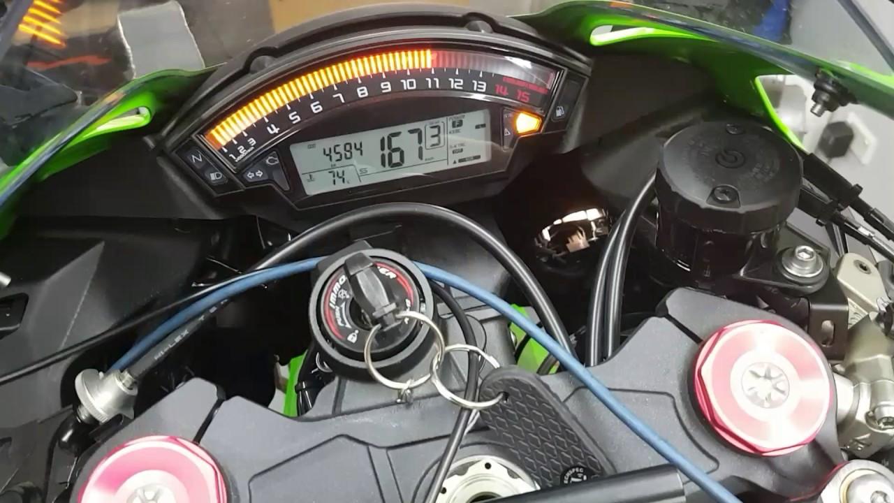Kawasaki ZX10R 2016 quickshifter and autoblip down shift