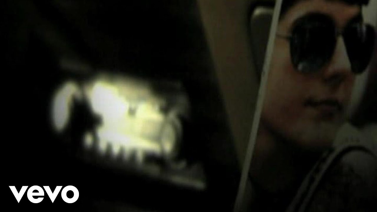 lori-meyers-luces-de-neon-lorimeyersvevo