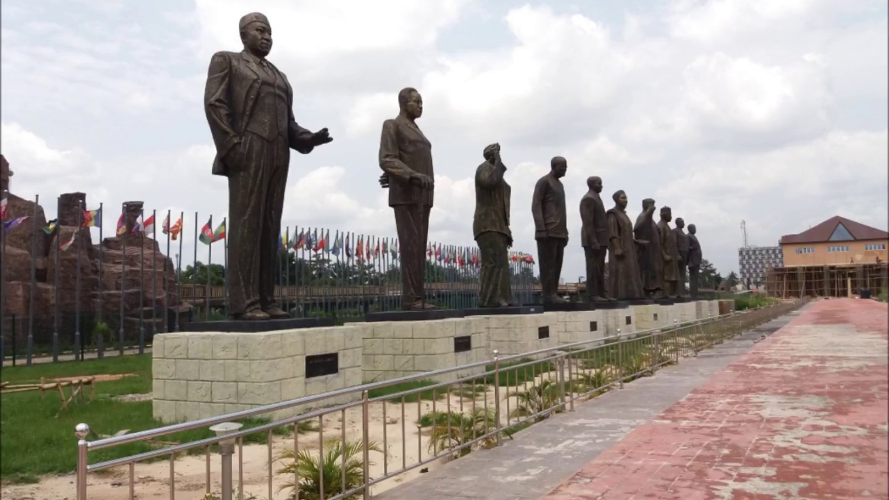 The Famous Imo Statues - YouTube