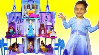 Leah Pretend Play w/ Disney Frozen 2 Princess Elsa & Anna Dolls and Frozen Castle Toy