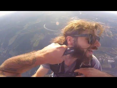 Guy Gets Beard Shaved At 10,000ft