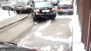 Видео уроки  Параллельная парковка автомобиля