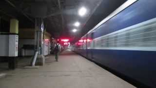 Night Action at Its Best : Furious MGS WAP-4 With Doon Express Thunders Through Konnagar