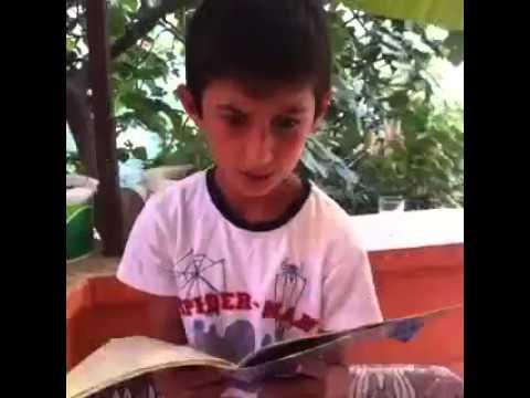 Elif- be okumaya çalışan komik çocuk