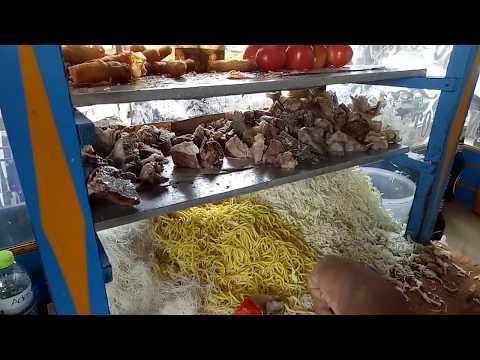 Indonesian Street Food -  BOGOR NOODLE SOUP - Soto Mie Bogor - Jakarta Culinary