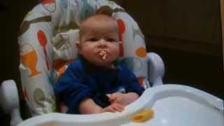 blw 6 month old eats chicken
