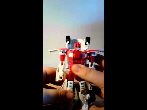 Transformers Combiner Wars First Aid Review
