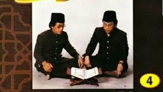 Video Duet Qori Internasional H Muammar ZA & H Chumaidi H - Surah Al Ahzab 21-22 | REKAMAN 1985 download MP3, 3GP, MP4, WEBM, AVI, FLV Juli 2018