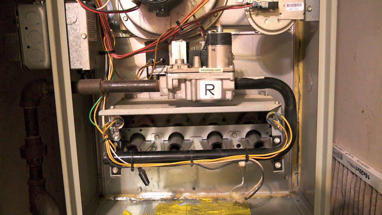 Trane XL-80 furnace malfunction - YouTube