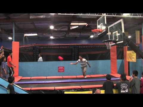 oscar-sky-zone-trampoline-basketball-7-3-12