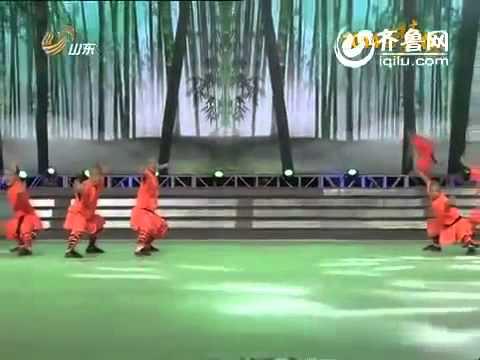 video Hào Hào múa võ với các thần đồng võ thuật Thiếu Lâm hochoangu vn