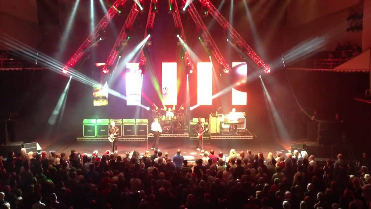Status Quo - It's Christmas Time (live at Nottingham 16/12/2012 ...