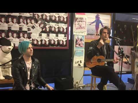nobody likes the opening band - idkhow (acoustic)