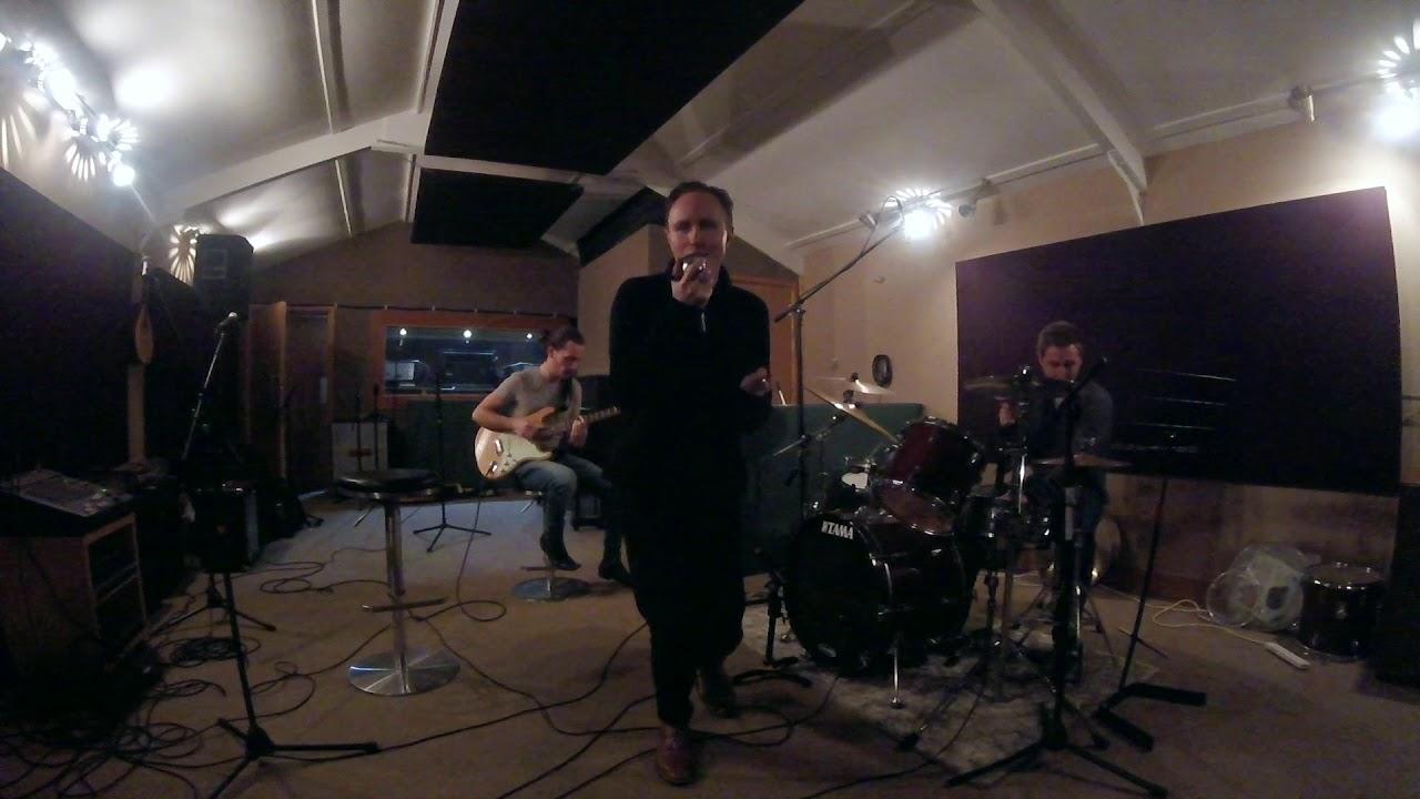 Studio Jam - Valerie (Cover)  // Stefan Taylor