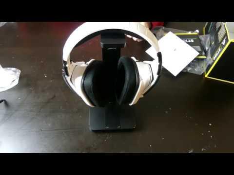 Corsair ST100 RGB Headphone Stand