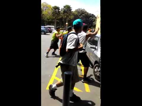 Window washer violence once again in Manukau 19/10/15  1:01pm