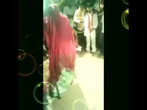 Desi Marwadi Girl Dancing On Drum Music