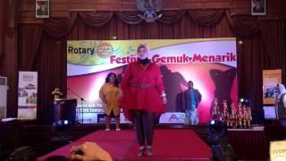 Fashion Show Fats Big Size Boutique Di Acara Festival Gemuk Menarik