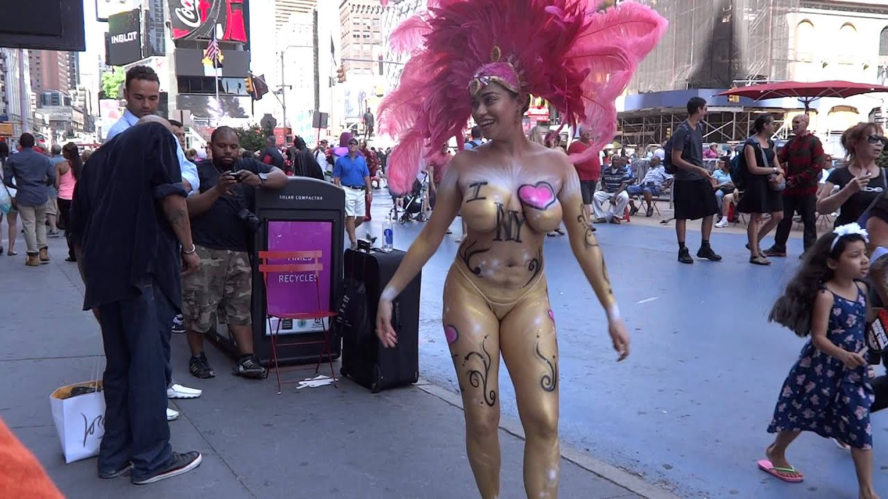 New york reporter strips off for a piece of undercover journalism