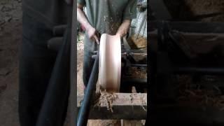 Proses pembuatan tebok lovebird model bubut