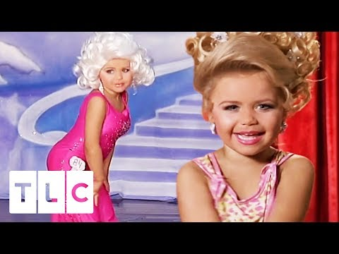 Mini Dolly Parton Wows Judges At The Hearts And Crowns Pageant | Toddlers & Tiaras