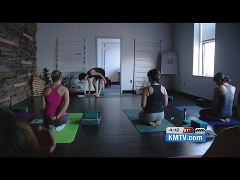 Class combines art and yoga
