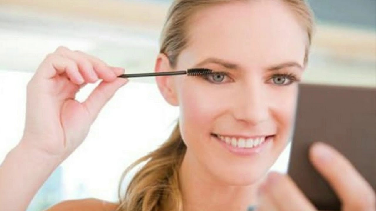 Does Mascara Make Your Eyelashes Fall Out Dermatologists Give The