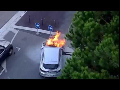 Cesenatico auto non smette di bruciare pompieri intervengono tempestivamente ,veri eroi!!