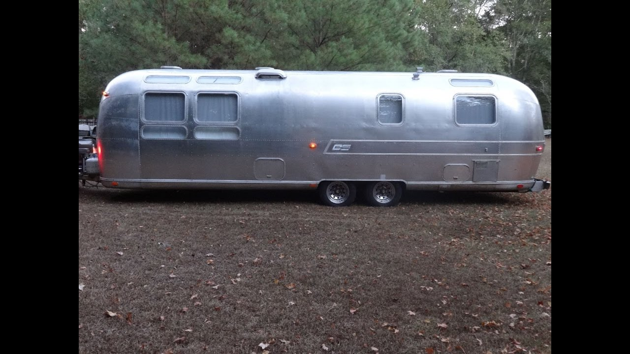 1973 Airstream Sovereign Land Yacht 31' Travel Trailer
