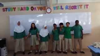 Prakatek SBK menyanyikan lagu burung kaka tua dan rasa sayang-sayange dari Maluku