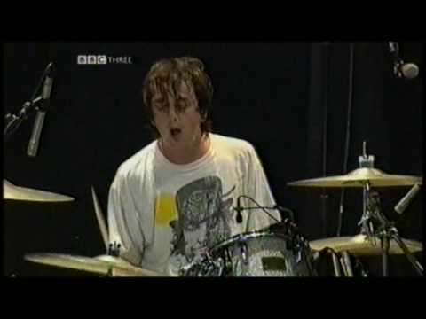Supergrass - The Strange Ones - Glastonbury 2004