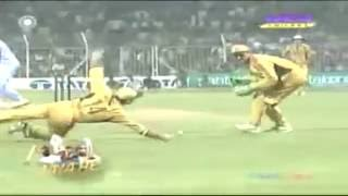 India were 64 6 and dramatic chase, won by 2 wickets   India vs Australia 7th ODI FUTURE CUP 2007