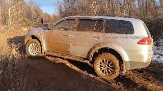 Land Cruiser 100 и Pajero Sport по весенней грязи