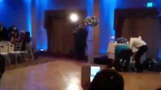 Жених ударил невесту ногой по голове - Groom Hits Bride On The Head