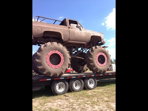 Soggy Bottom Mud Pit<br><iframe title=