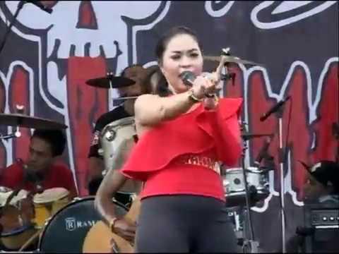 Angkara Niken Aprilia MONATA LIVE IN BUMI RENGGANIS SANTRI KUMAT 2016 LAMONGAN